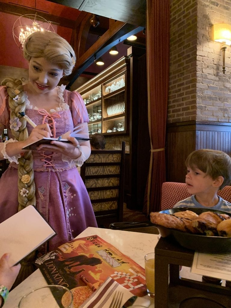 Rapunzel Signing Autographs at Trattoria Al Forno